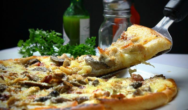 пица со маслинки