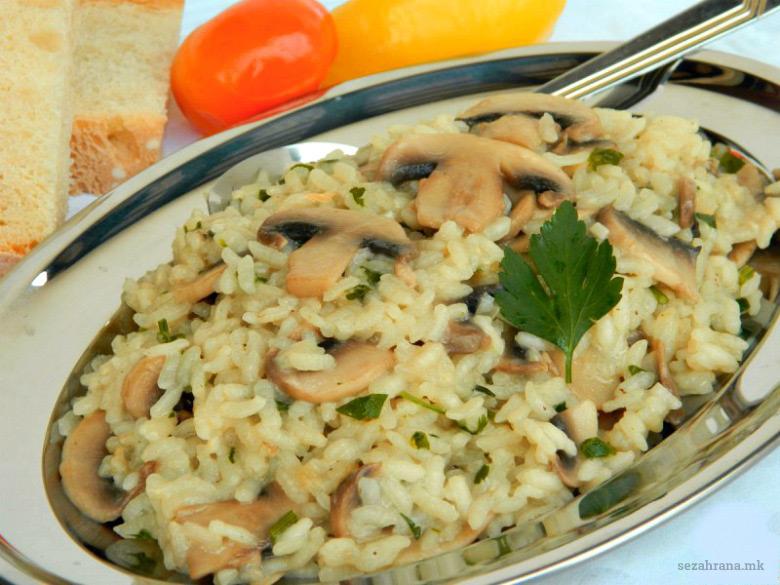 ориз-со-печурки
