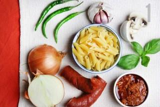 макарони со кулен и зеленчук