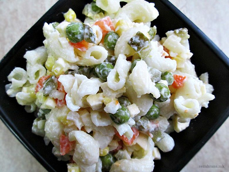 посна салата со макарони