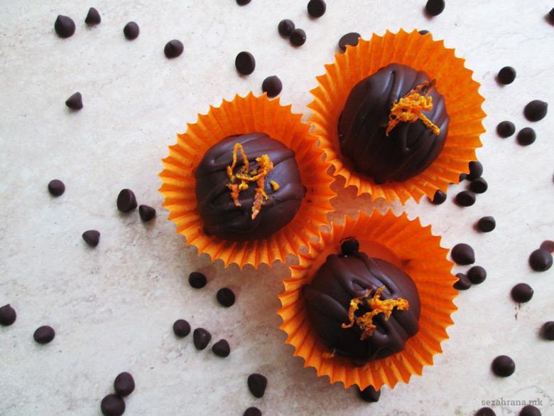 чоколадни бомбици со лешници рум и портокал