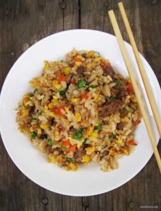 ориз-со-зеленчук-и-мелено-месо