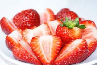 јагоди за млада кожа