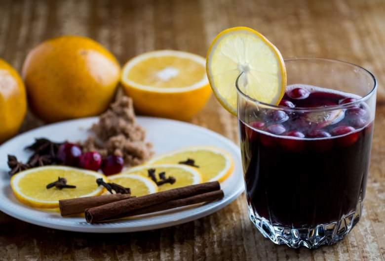 едноставно греено вино на домашен начин