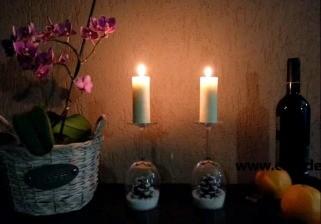 За неколку минути направете празнични свеќници од чаши