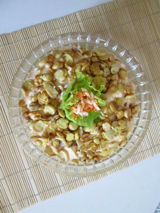 Крем салата со тартар сос и печурки.