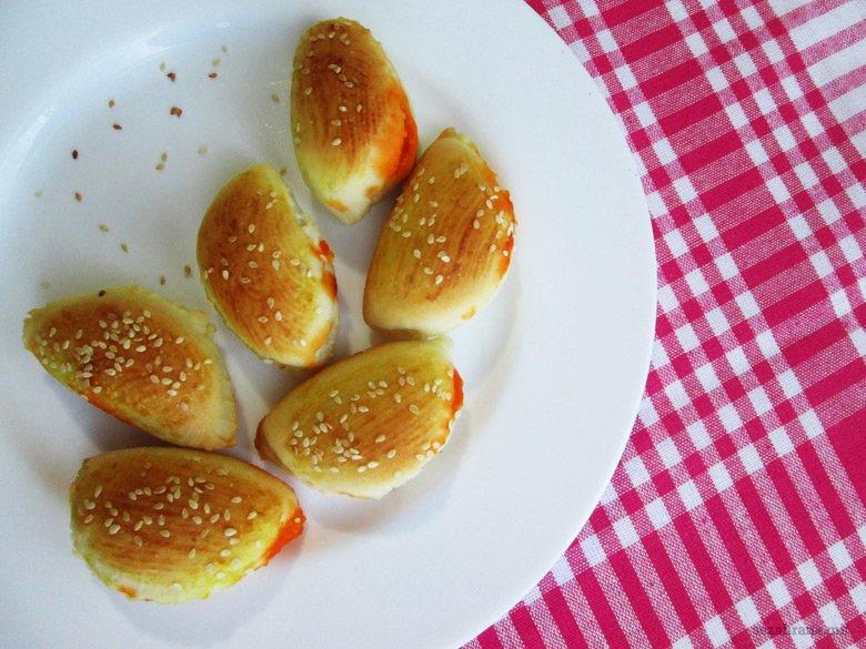 печени посни пирошки со фил од ајвар