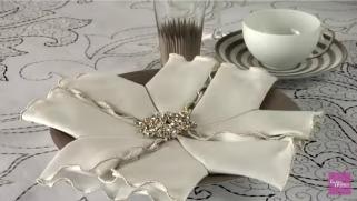 Зимска декоративна салфетка за свечености.