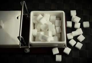 Направете дома коцки од шеќер 1