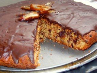 Чоколаден колач со урми 1