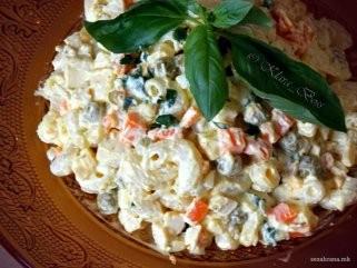 Пилешка салата со макарони 1