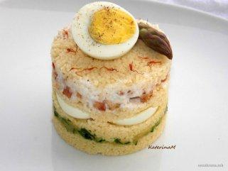 Редена кус кус салата со варени јајца 1