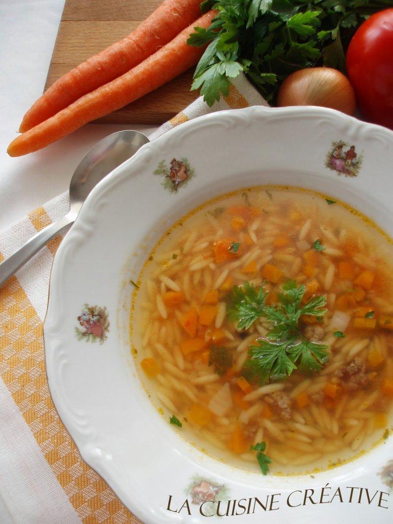 Брза домашна супа со мелено месо 2