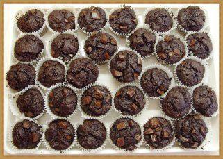 Екстра чоколадни мафини со лешници и брусница 1