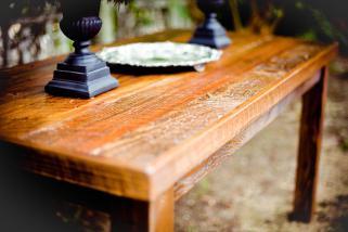 гребнатини на дрвени површини