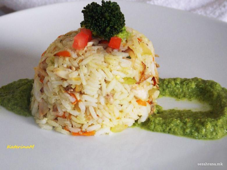 ориз со пилешко