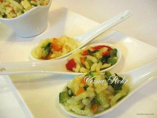 Лесен оброк - задушен ориз со тиквички и кора од лимон 1
