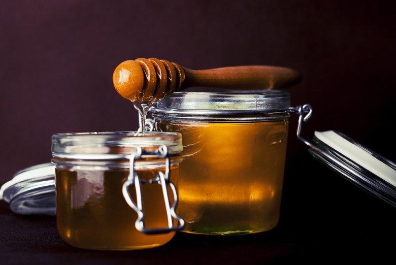 7 трикови како да препознаете квалитетен и вистински природен мед 2
