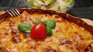 Рецепт за лазања со сос од црвено вино и бешамел 1
