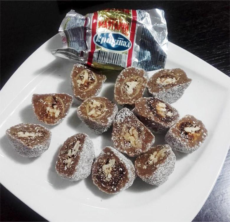 бомбици со смокви и ореви
