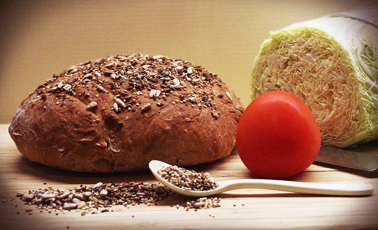 интегрален леб со семиња