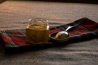 Совладајте ја настинката со златен мед 1