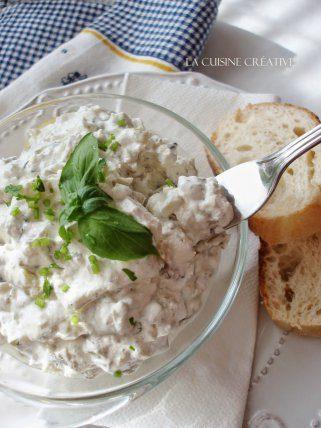 Бела салата со печурки и краставици 1