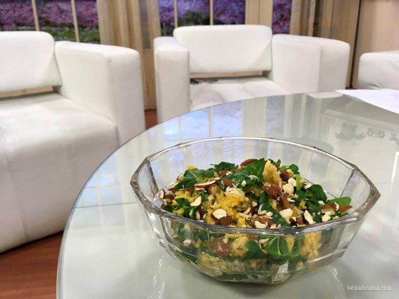Здрава салата со просо, спанаќ и бадеми (оброк) 3
