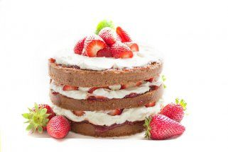 чоколадна торта со јагоди