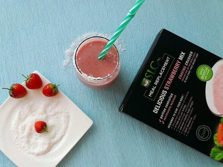 Протеинско смуди со јагоди и кокос 3