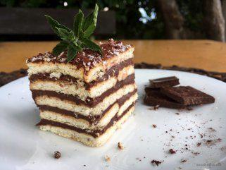 чоколадни коцки со бисквити