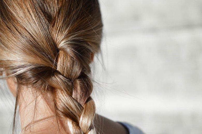 4 начини да употребите сок од лимон за косата 2