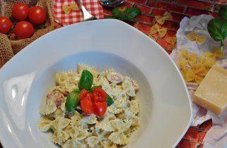 Тестенини со крем сос од тиквички, сирење и павлака 1