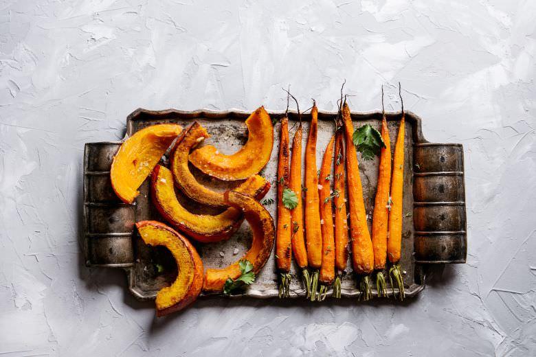 зеленчук со портокалова боја