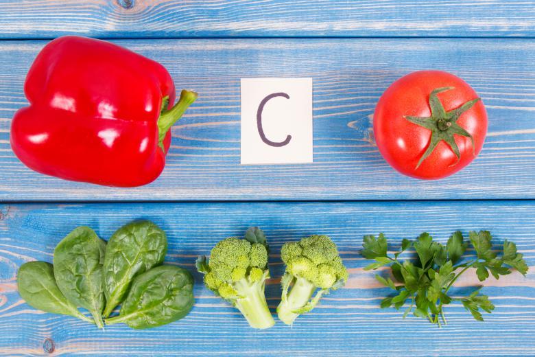 Недостатокот на витамин Ц може да биде причина за опаѓање на косата