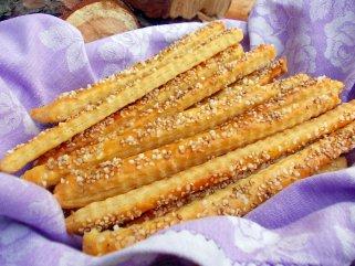 Крцкави сусам стапчиња со мелено ленено семе 1