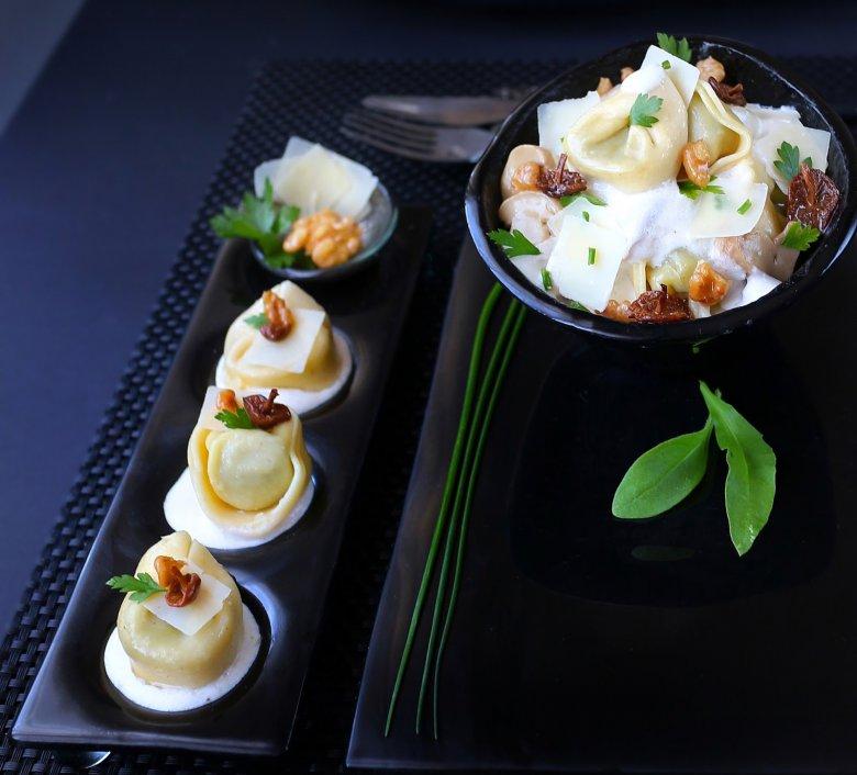 тортелини во кремаст сос од печурки