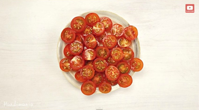 кујнски трик за брзо сечење домати