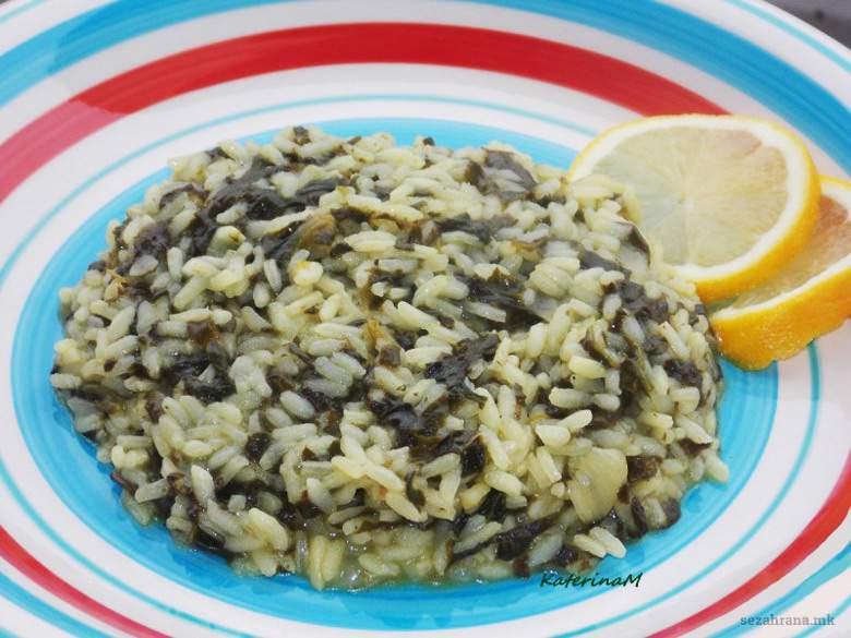 посен ориз со спанаќ