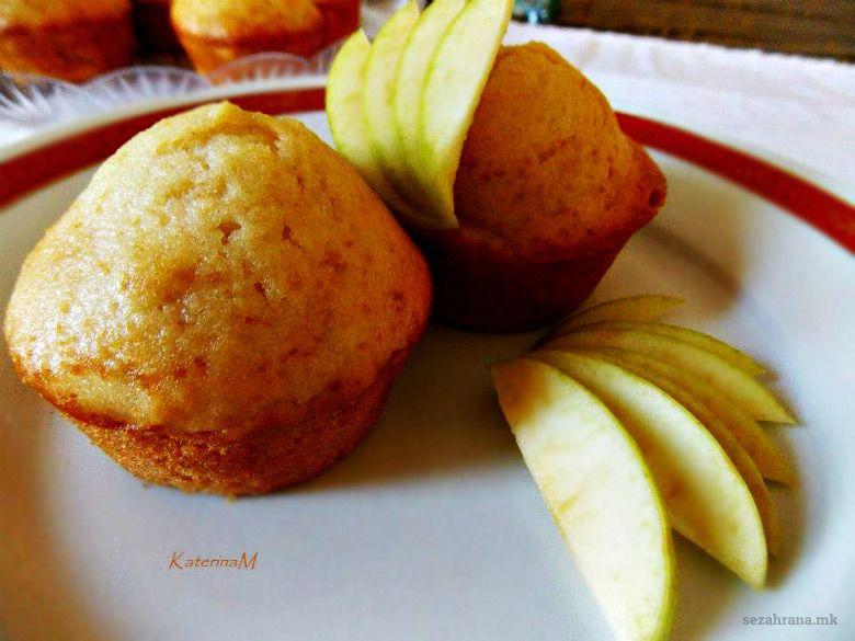 мафини со јаболка и цимет