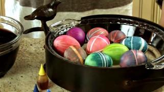 Велигденски јајца со ластичиња