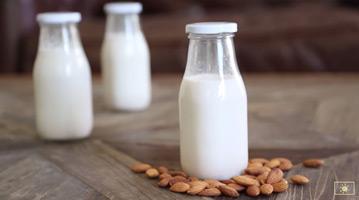 бадемово млеко