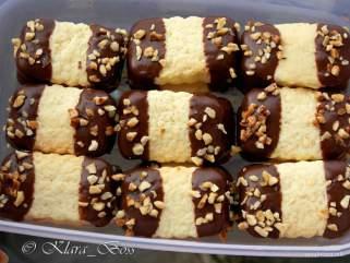 Крцкави колачи со цитрон и лешници