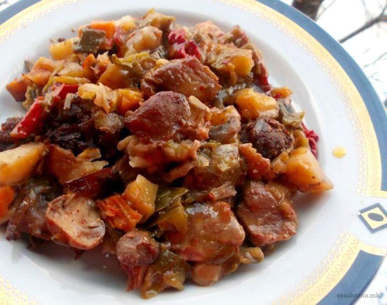 Семејна тава со свинско месо
