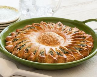сончоглед погача со спанаќ и сирење 1