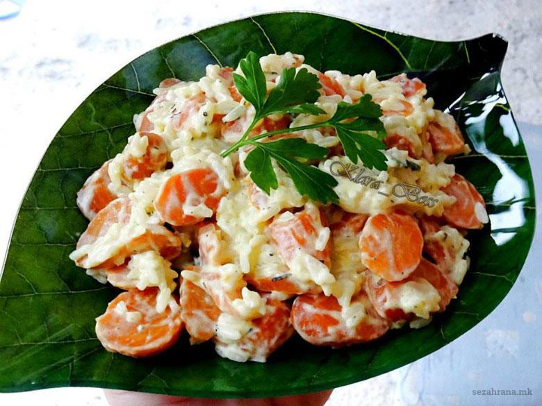 Кремаст прилог од ориз и моркови
