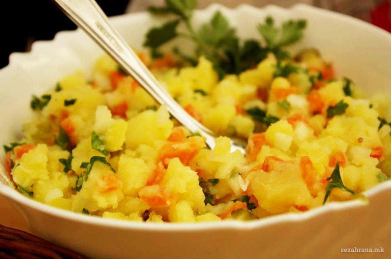 ермоса салата со компири