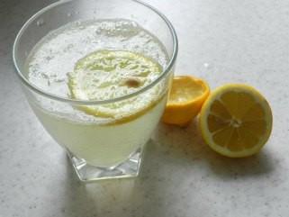 Домашен сок за растворање од лимон