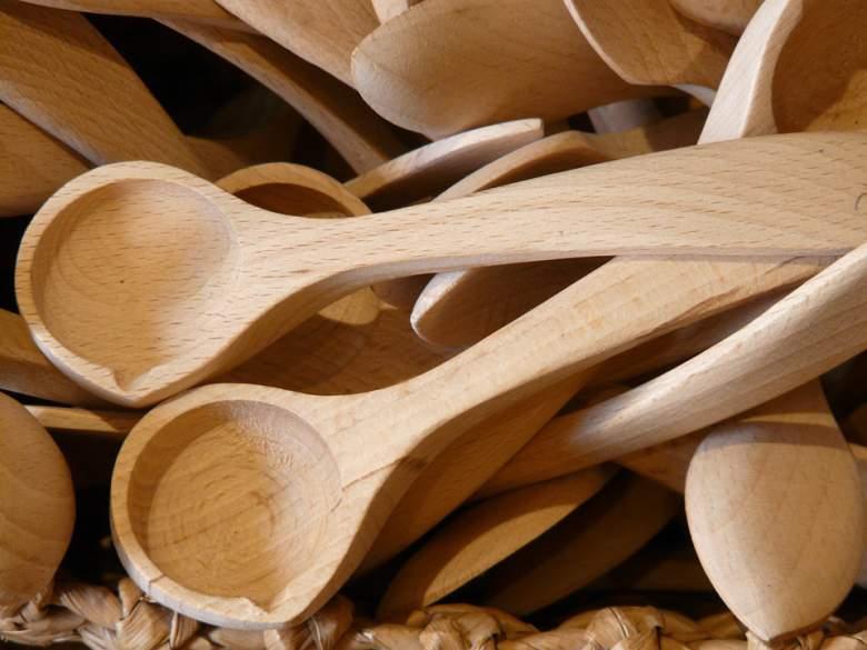 Чисти дрвени лажици со 6 состојки од кујната
