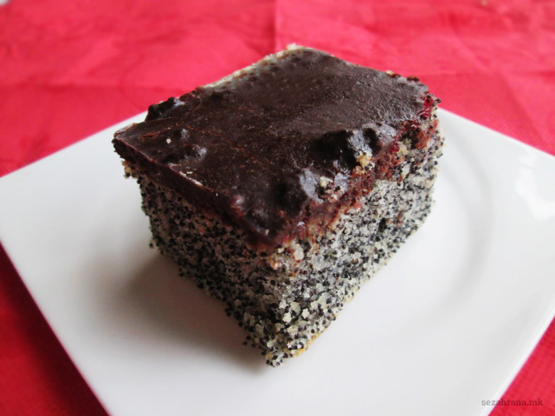 посна торта со афион, вишни и чоколадо